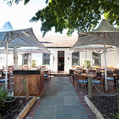 La Belle Cafe & Bakery (Alphen Boutique Hotel)