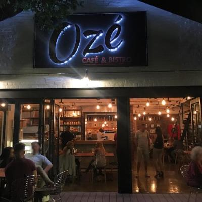 Oze Cafe & Bistro