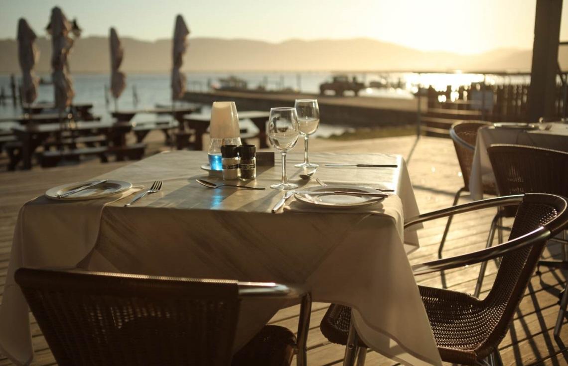 Cruise Cafe